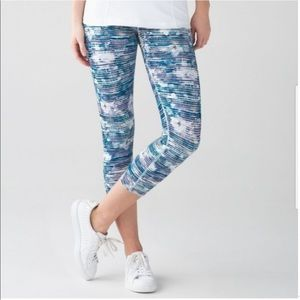 Lululemon True Self Crops Blurred Belle